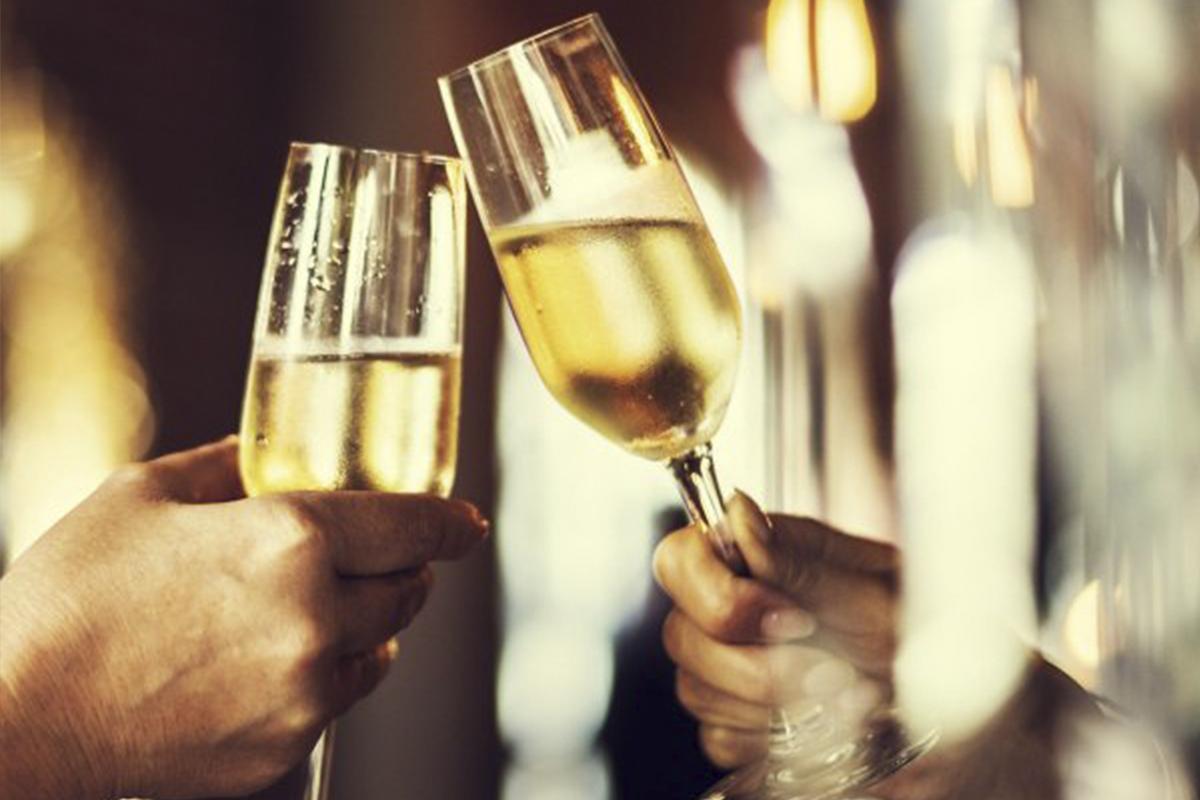 Champagne i Martell stuen